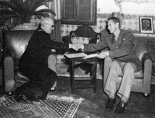 Darlan, signataire de l'armistice avec le nouveau vainqueur, 22 novembre 1942