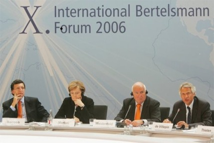 José-Manuel Barroso, Angela Merkel et Dominique de Villepin, le 22 septembre 2006 au Xe forum international de la Fondation Bertelsmann
