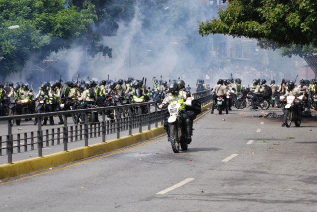 Chacaito : Police nationale bolivarienne (PNB)